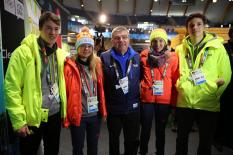 Olympische Jugend-Winterspiele 2016: Skilanglauf-Team mit IOC-Präsident Thomas Bach