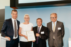 Neuner in Hall of Fame